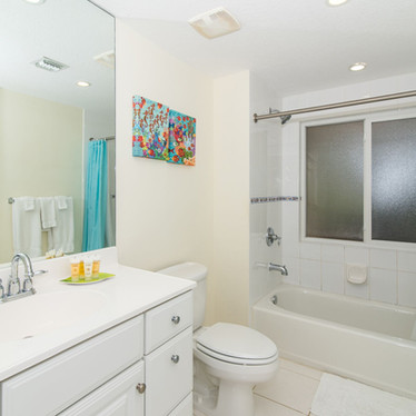 Squeaky clean 2nd bathroom off bedroom 2.