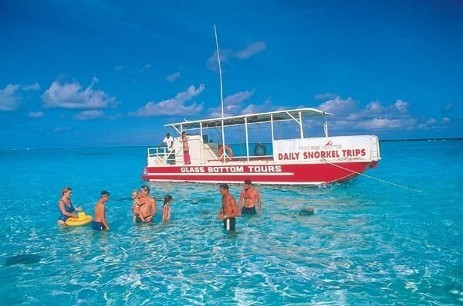 Charter a boat for fishing/stingray trips