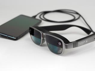 """Qualcomm представили референсный дизайн """"умных AR-просмотрщиков"""" на Qualcomm XR1"""
