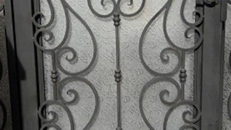 La Brea Gate