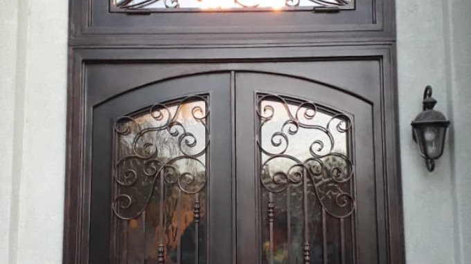 Corona M02 Door
