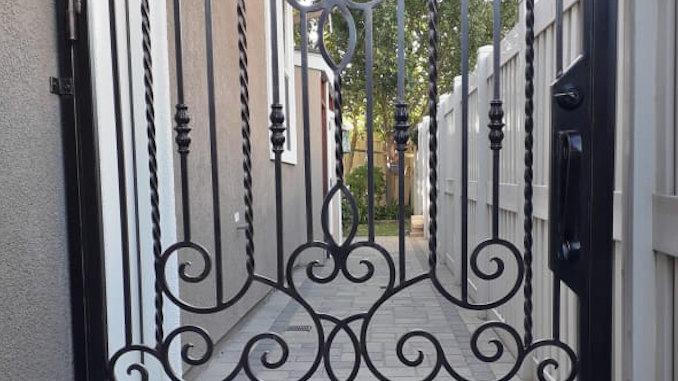 Fontana Gate
