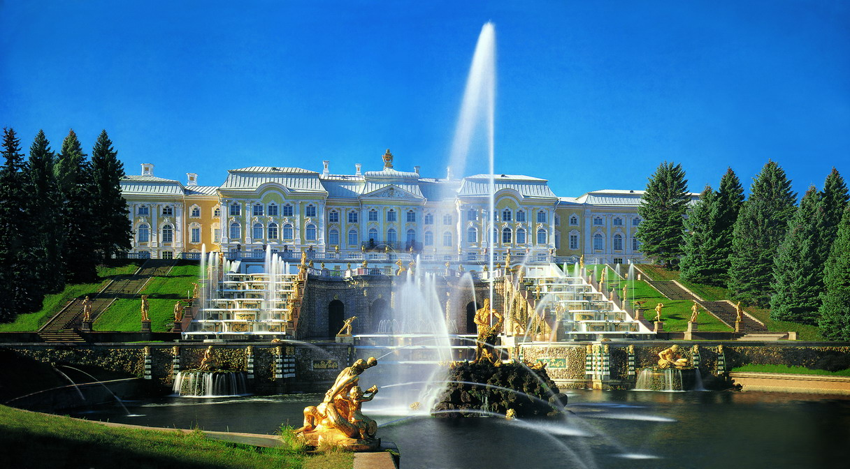The_Peterhof_Palace-0