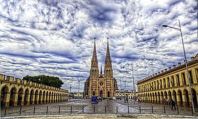 400px-Luján_-_Basílica_de_Nuestra_Señora_de_Luján_-_200807d