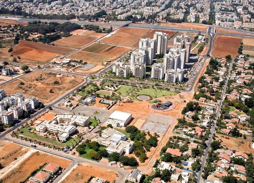 Cluster 200, Hod Hasharon, Israel