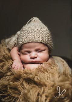 Photo de nouveau né. Shutting en studio photo Libellule-photos