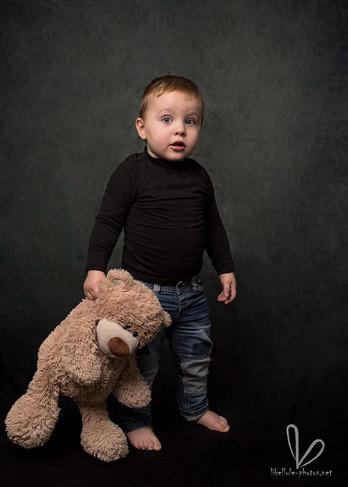 Photo d'enfant avec ourson