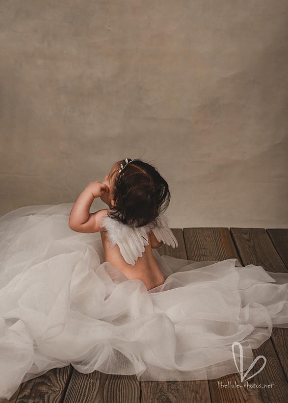 Bel ange. Photo d'une petite fille.