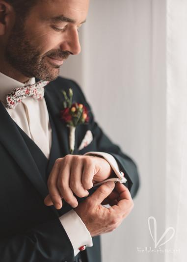 Futur marié. Préparatifs de mariage. Photo de mariage.