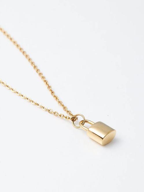 Louis Padlock Necklace - Gold