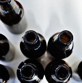 Les bouteilles vides de bière