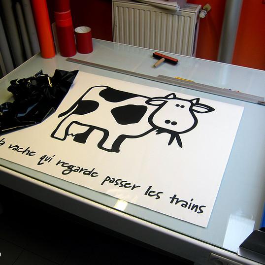 La-Vache-qui-regarde-0911.jpg