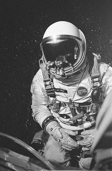 astronaout 1.jpg