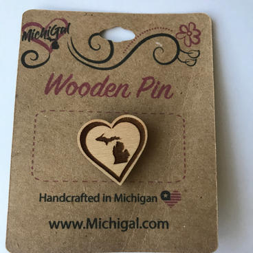 Wooden Pin - Your State inside Heart