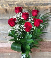 6 roses rouges avec vase 67$