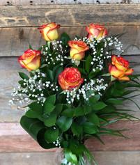 6 roses oranges avec vase 61$