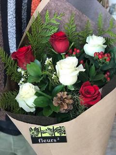 6 roses festives 45$
