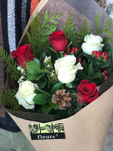 6 roses festives 50$