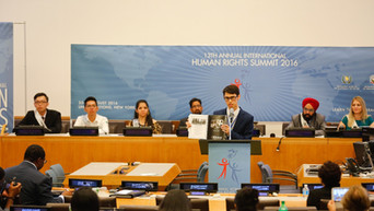 Prabhloch Singh (wearing a red turban) as a panelist at the UN headquarters in New York.