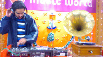 DJ Loch at the launch of Music World at Chandigarh in 2006