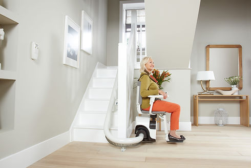 Adaptmyhome - curved stairlift.jpg