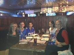 KAely,+girls+at+dinner.JPG