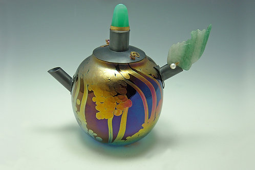 Lily Pond Teapot