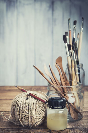 Artist's painting and sculpturing tools.