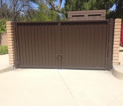 Trash enclosure double gate for Chino Valley Fire Department  #theprofessionalironworks #socalcontractors #welders #ornamental #doublegate #