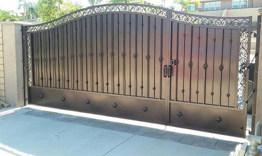 4 split gate.jpg