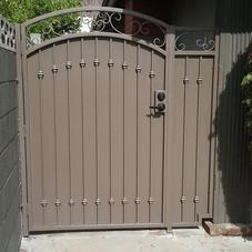 Single gate with side panel.jpg