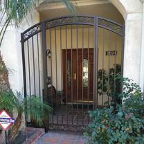 Entry gate #theprofessionalironworks #ironwork #gates #custom #sanbernardinocounty #lacounty #riversidecounty #orangecounty #security #ornam