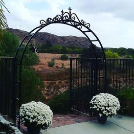 Steel Arbor #theprofessionalironworks #ironwork #garden #socal #riversidecounty #corona #lacounty #sanbernardinocounty #sanbernardino #orang