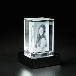 Glasblock 2 D hochkant mit Sockel_Mood