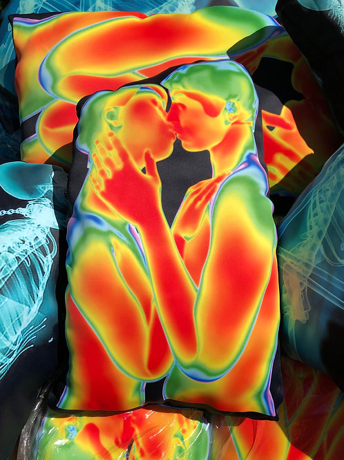 Thermal Kiss Intimacy Pillow