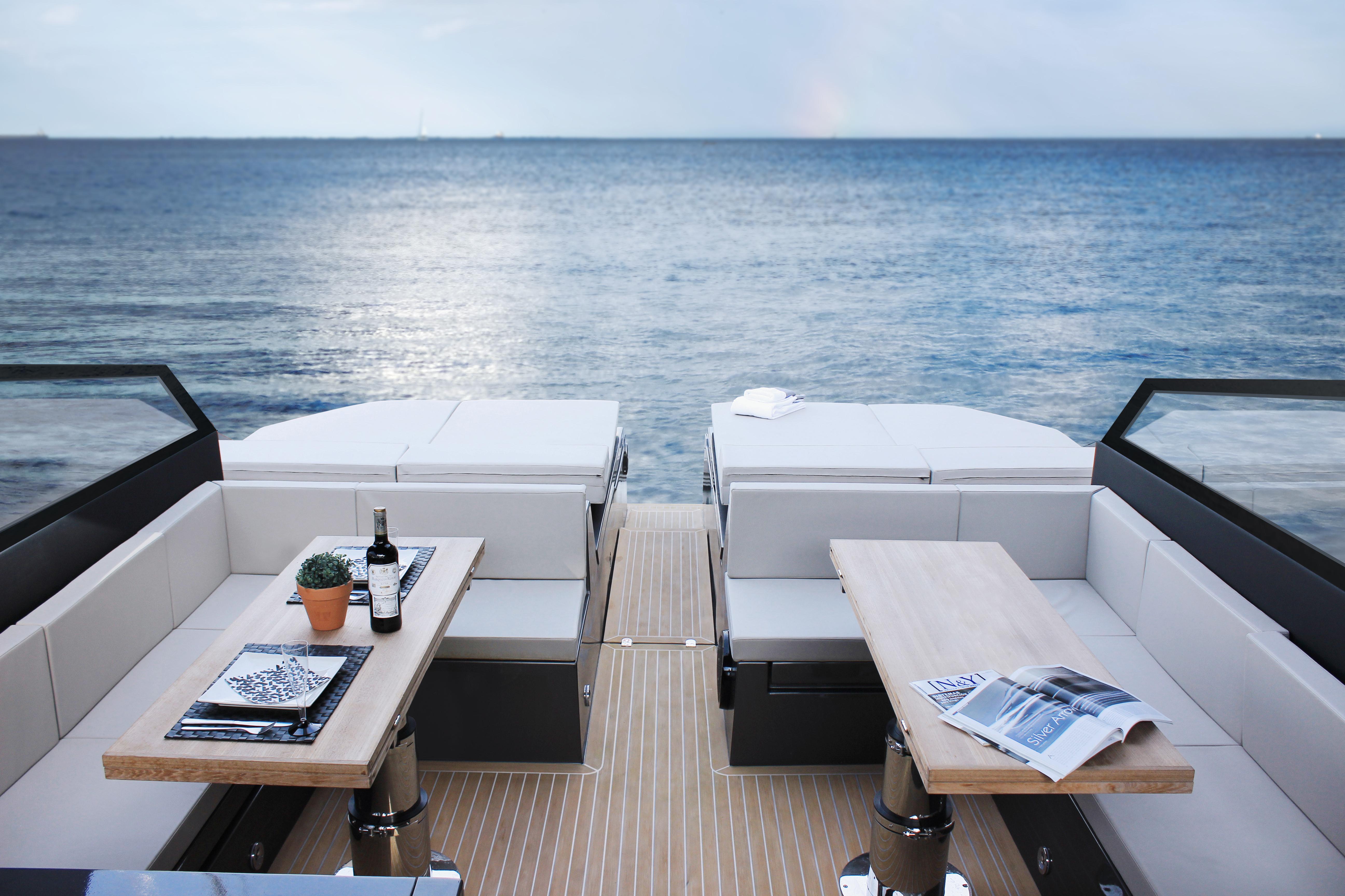 De Antonio Yachts_D46 Open_09
