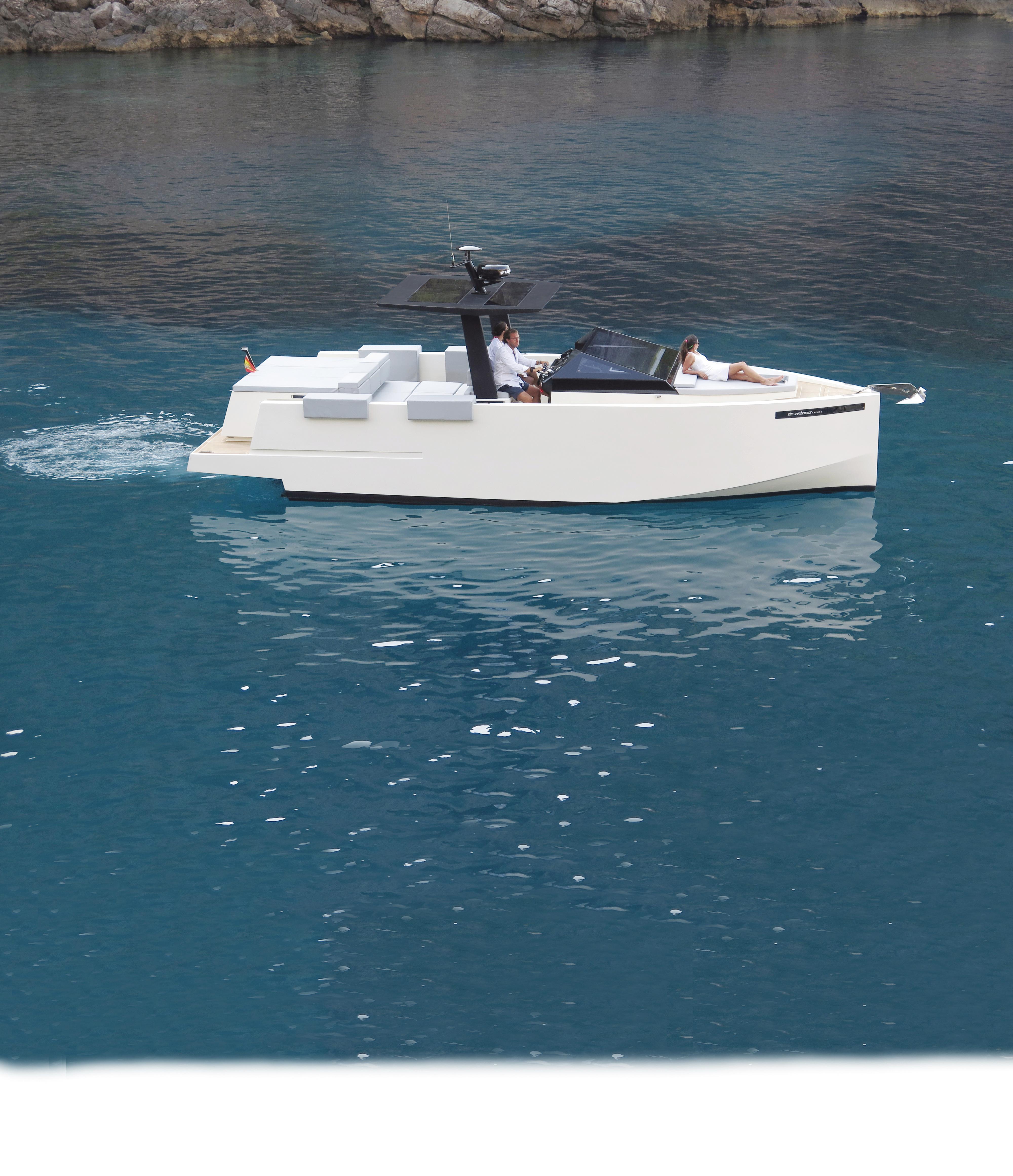 De Antonio Yachts_D33 Cruiser_16