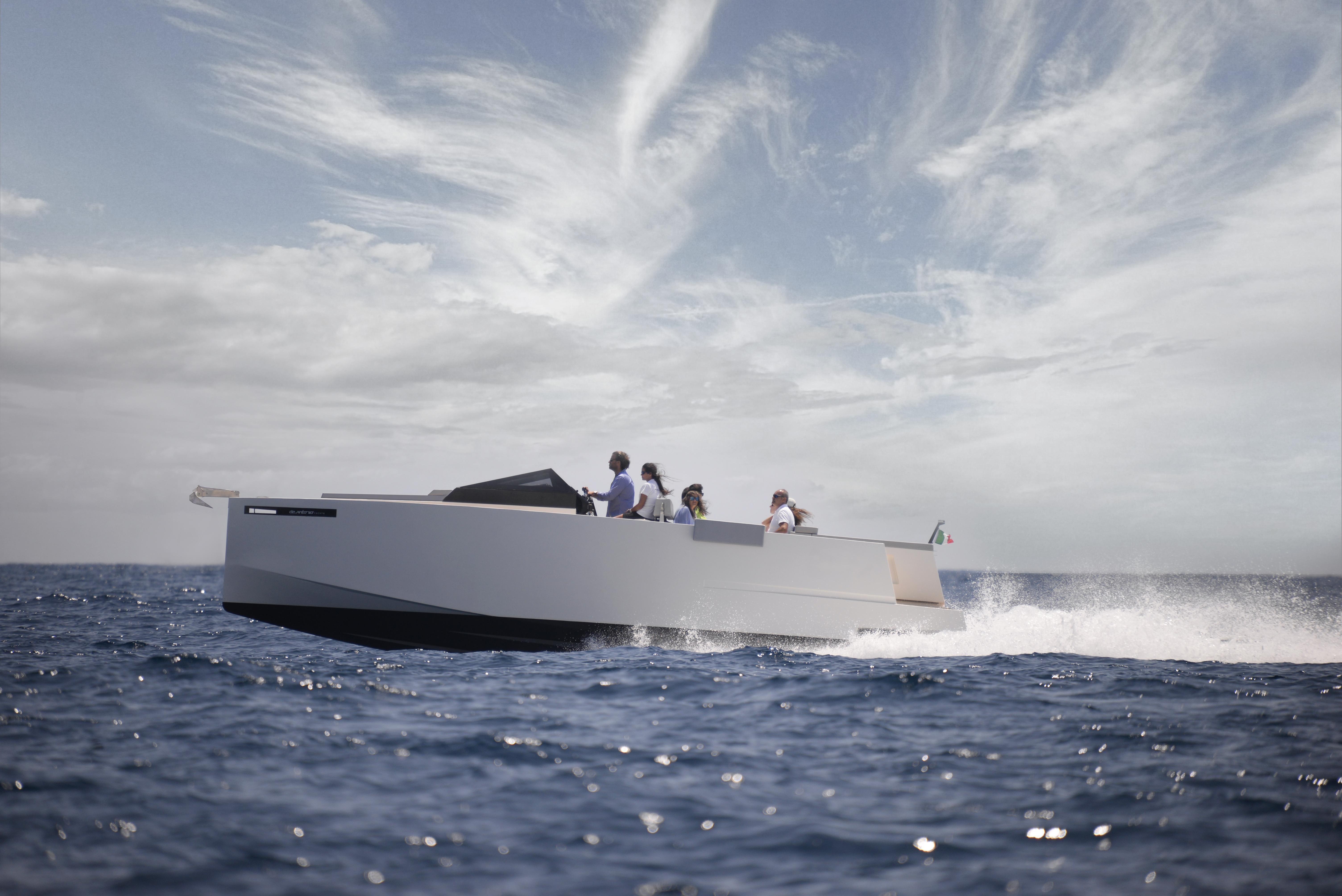 De Antonio Yachts_D33 Cruiser_01