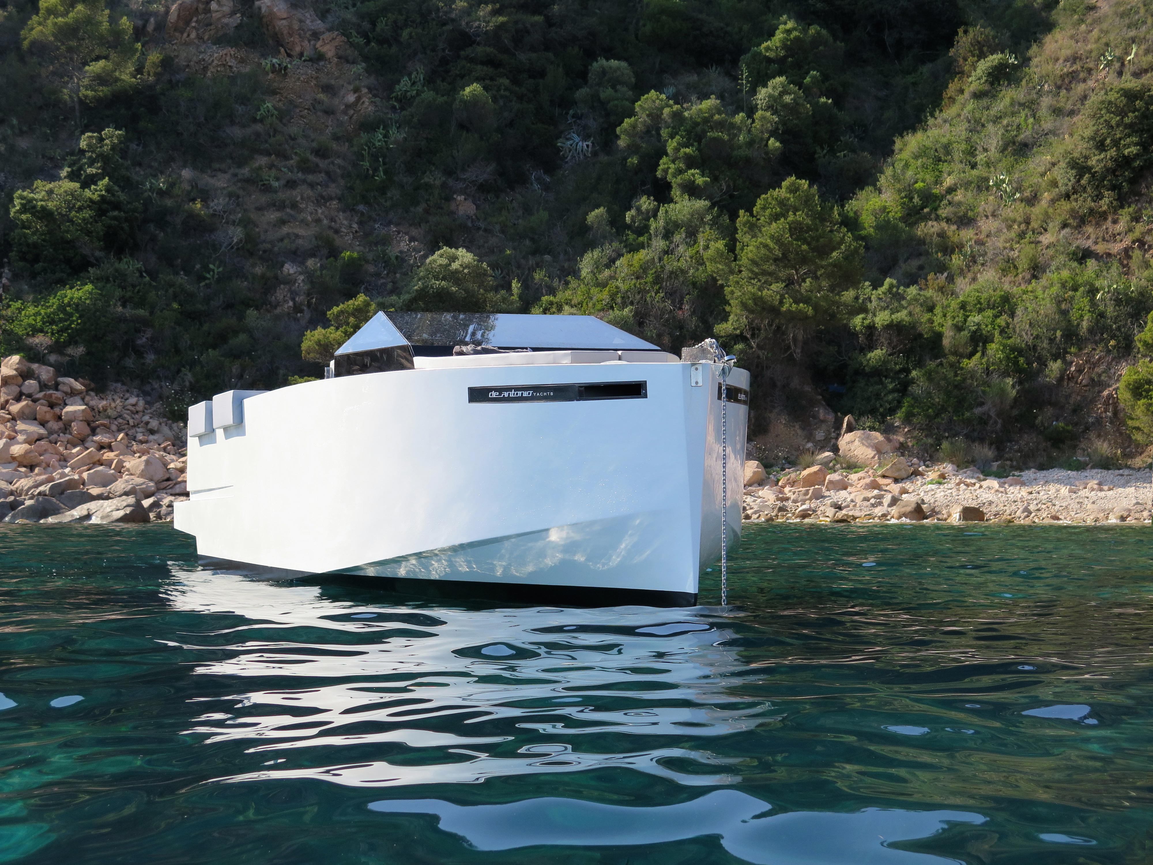 De Antonio Yachts_D33 Cruiser_05