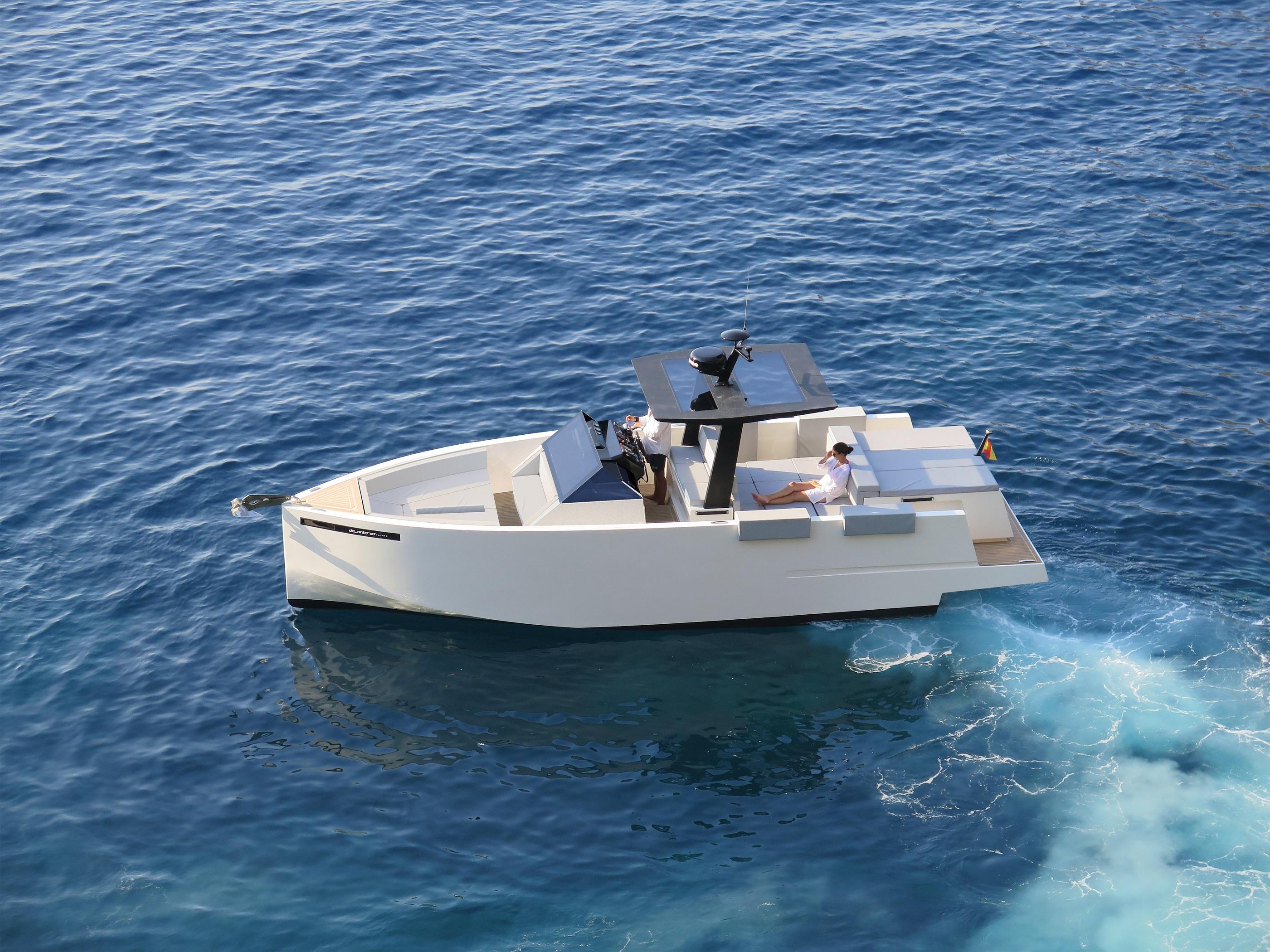 De Antonio Yachts_D33 Open_19