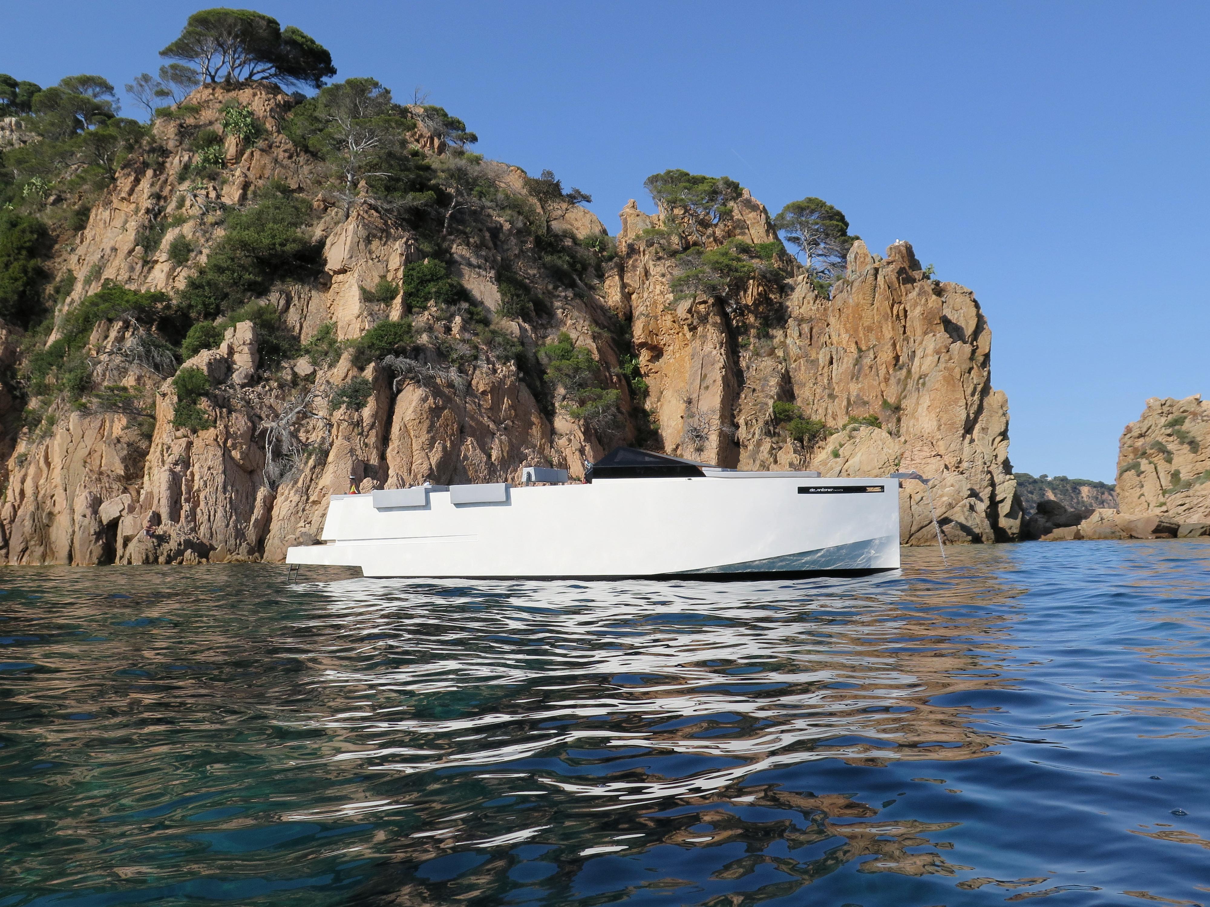 De Antonio Yachts_D33 Cruiser_04