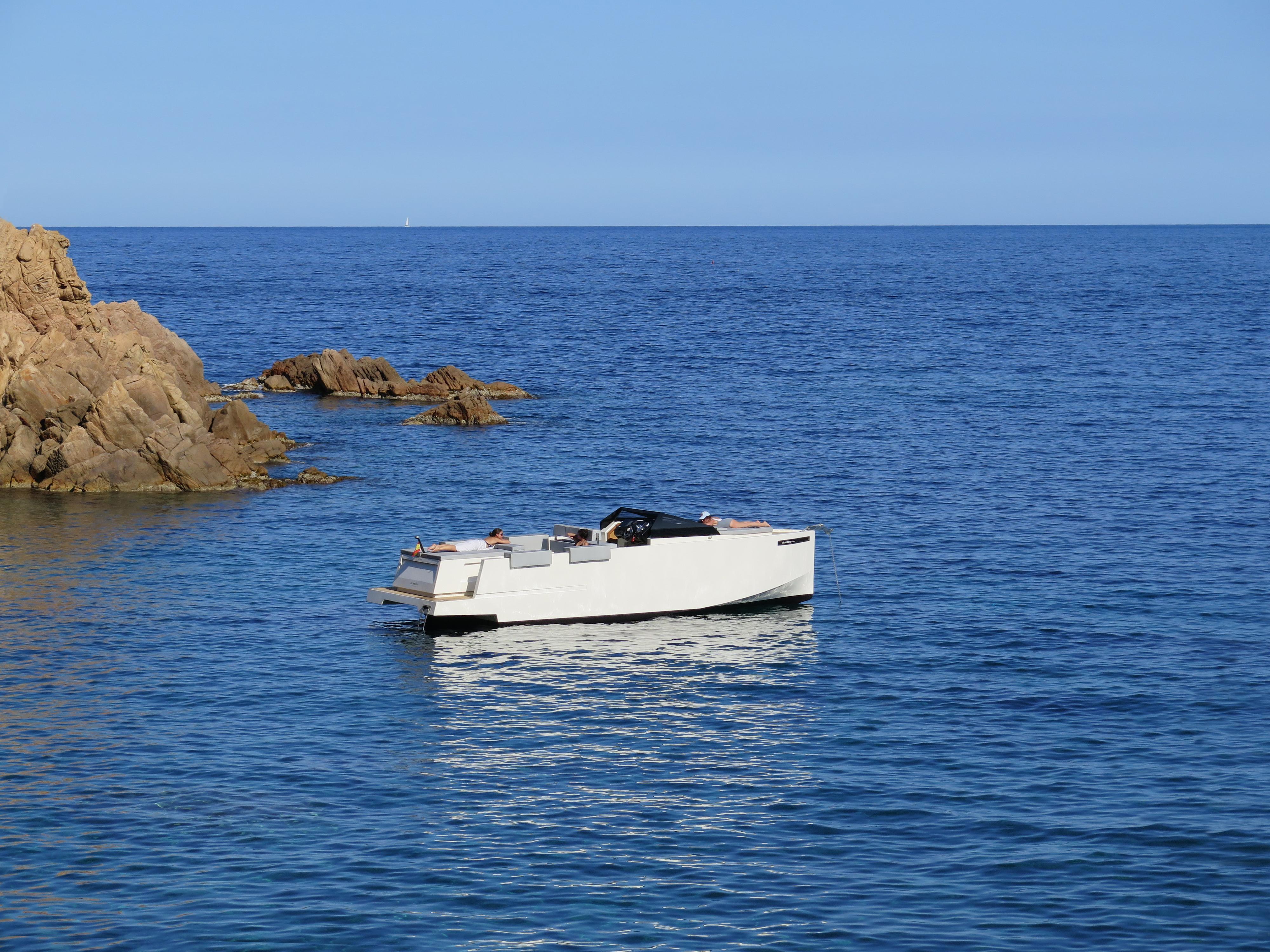 De Antonio Yachts_D33 Cruiser_02