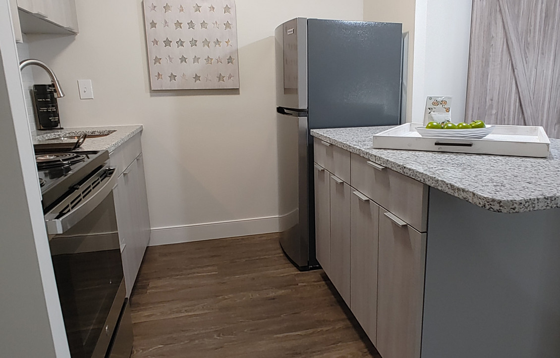 Signature Series One Bedroom Stainless Appliance Package