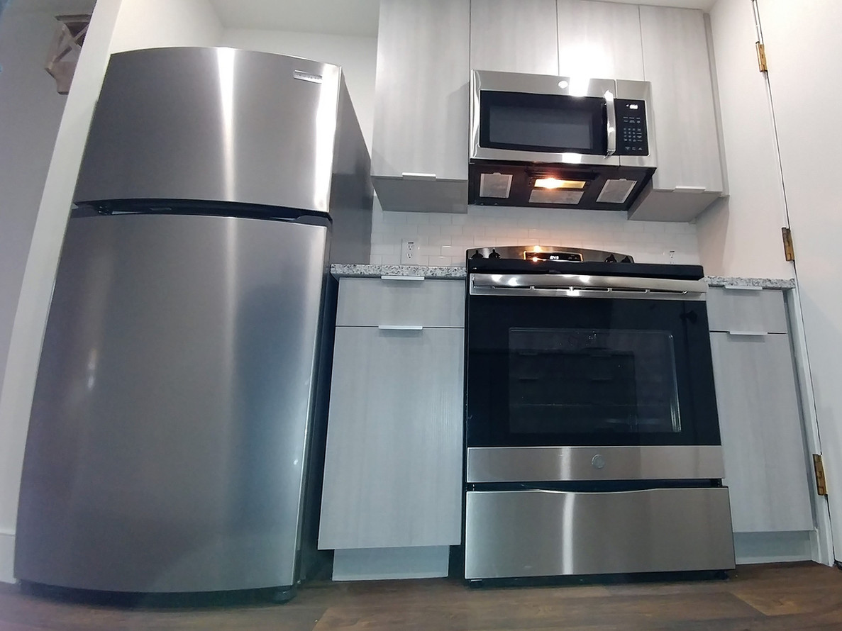 Signature Series Stainless Steel Appliance Package