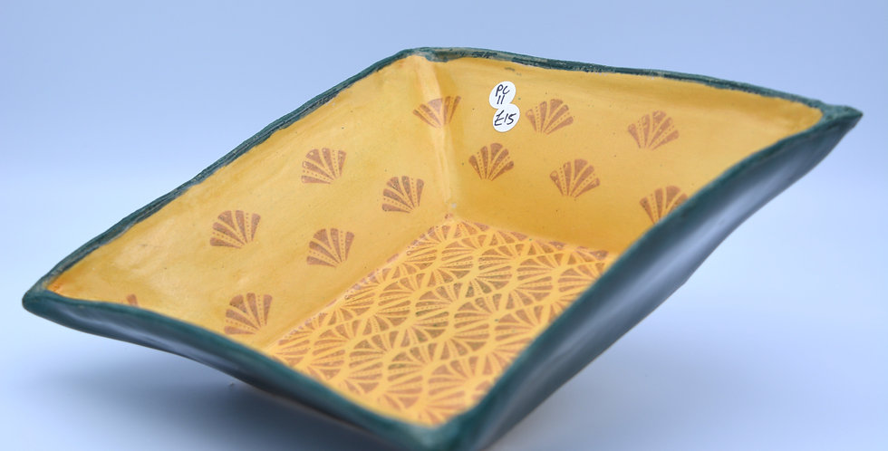 Pattern serving dish