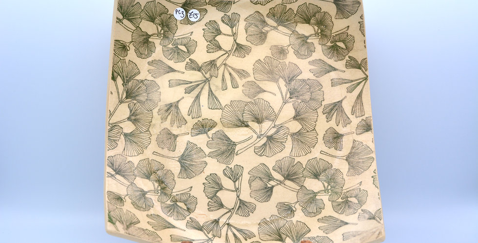 Leaf pattern plate 3