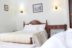 Quarto Familiar com duas camas de casal