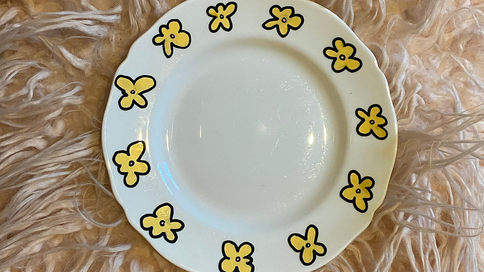 Yellow Flowers Everywhere, Plate