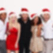 Amis avec des chapeaux de Santa