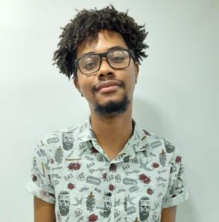 """Marlon Souza narra em """"O silêncio que a chuva traz"""" a luta de um jovem negro contra a homofobia"""